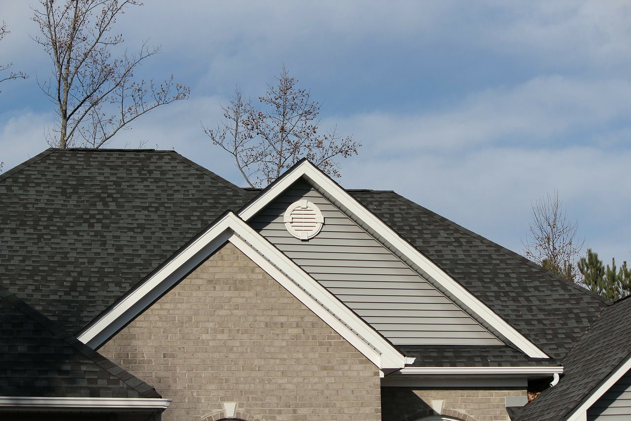 Omaha Roof Shingles Need Replacing
